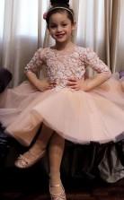 süße nackte Hi-Lo-Mädchen Festzug Kleid Spitze 3/4 Ärmel Bogen zurück WeihnGACHten Partykleider Blumenmädchen Kleid hoch niedrig GACH071
