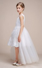 Erschwingliches Weisses Juwel Junior Brautjungfernkleid Hoch Niedrig Festzug Kleid Mit Spitzendetails GBCH054