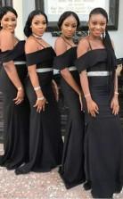 Schicke Schwarze Trägerlose Brautjungfernkleider Spaghettiträger Perlen Gürtel Hochzeitsfestkleid BED05222