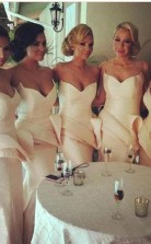 Brautjungfernkleider Vintage Meerjungfrau V-ausschnitt Rüschen Schößchen Bodenlangen Trauzeugin Kleider BEO4915BE2