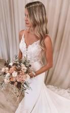 Meerjungfrau Träger Spitze V-ausschnitt Brautkleider Mit Langem Zug GBWD008