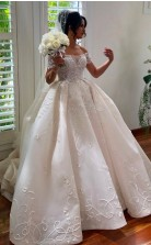 Luxuriöses Ballkleid Schulterfreies Brautkleid GBWD014