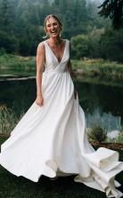 Einfache ärmellose A-linie Steife Brautkleider Mit V-ausschnitt Im Freien Hochzeit GBWD017