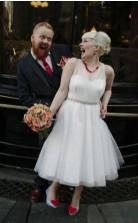 V-ausschnitt Tee Länge Landhausstil Brautkleider Stadt Standesamtliche Hochzeiten GBWD077