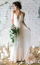 Einfache Träger Sexy Eine Linie Strand V-ausschnitt Boho Fließendes Hochzeitskleid GBWD095