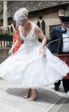 Eine Linie 50er Jahre V-ausschnitt Spitze Kurze Tee Länge ältere Bräute Brautkleid GBWD118