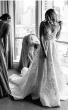 V-ausschnitt Eine Linie Florale Spitze Brautkleid Zierliche Kleine Büste GBWD163