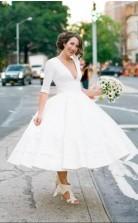 Tiefes V-ausschnitt Halbe Ärmel Tee Länge Pinup Plunge 50er Jahre Stil Brautkleid GBWD168