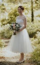 Flügelärmel Weiß 1950er Jahre Tupfen Vintage Tee Länge Brautkleid GBWD169