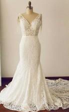 Spitze V-ausschnitt Meerjungfrau Brautkleid Sweep Zug Sanduhr Körper GBWD227