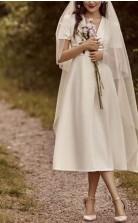 Einfache Sommer V-ausschnitt Tee Länge Kirche Kleines Weißes Kleid 1950er Jahre Mit Schärpen GBWD256