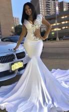 Trompetmermaid Elastisch Gewebt Elastisch Gewebt Satin Perlen V-ausschnitt Gericht Zug Kleid JTC22003
