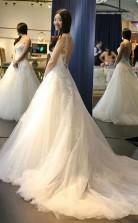 Elegantes Rückenfreies Brautkleid Mit U-ausschnitt Und Applikationen Twa0572