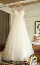 U-ausschnitt Flügelärmel Sweep Zug Perlen Plissee Brautkleid Mit Perlenstickerei Twa1062