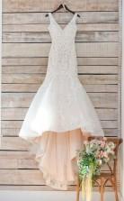 V-ausschnitt Meerjungfrau Langes Weißes Spitzenapplikationen Brautkleid Mit Schleppe Twa1132