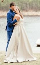 Zweiteiliges Brautkleid Aus Satin Mit V-ausschnitt Und Spitzenapplikationen Twa2292