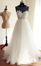 Brautkleid In A-linie Mit U-ausschnitt Aus Tüll Und Spitzenapplikationen Twa2512