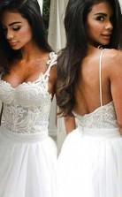 Elegantes Rückenfreies Brautkleid Mit Sweep-zug Und Spaghettiträgern Aus Spitze Twa2712
