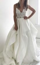 Elegante Träger Elfenbein Langes Brautkleid Mit Spitzenabschluss Twa2742