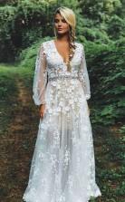 Bescheidenes Brautkleid Mit V-ausschnitt, Weißer Spitze, Langen Ärmeln Und Perlenstickerei Twa3302