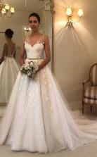 V-ausschnitt Spitze Brautkleid Rückenfreies Rustikales Brautkleid Twa3342