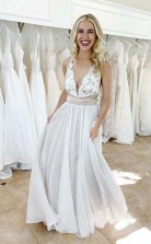 Elegantes überkreuztes Brautkleid Mit Tiefem V-ausschnitt Und Bund Twa4432