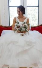 V-ausschnitt Organza Ballkleid Brautkleid Mit Rüschen Perlen Brautkleid Twa4612