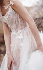 Süßes A-linien-brautkleid Mit V-ausschnitt Und Offenem Rücken Aus Tüll-elfenbein Mit Applikationen Twa4772