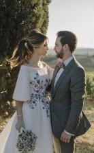 Hochzeitskleid Bateau Stickerei Romantisches Halbarm Brautkleid Twa4832