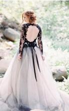 Wunderschönes A-line V-ausschnitt Langarm Schwarzes Spitze Brautkleid Brautkleid Twa4852