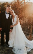 A-linie V-ausschnitt Elfenbein Satin Einfaches Elegantes Brautkleid Twa4882