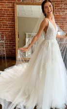 Wunderschönes Brautkleid In A-linie Mit V-ausschnitt Und Offenem Rücken Aus Tüll Mit Applikationen Twa5142