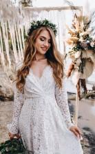 A-linie Weißes Bodenlanges Brautkleid Aus Spitze Mit Langen Ärmeln Twa5422