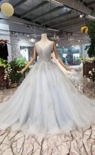 Neue Ankunft Hochzeitskleid V-ausschnitt Schnüren Sich Bördelnde Brautkleid Tüll