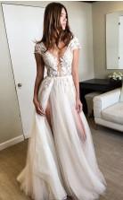 Flügelärmeln Tiefem V-ausschnitt Brautkleid Mit Applikationen Sexy Split Brautkleid Twb9022