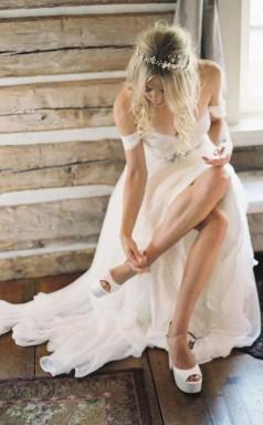 Elegantes Schulterfreies Brautkleid Mit Perlenstickerei Langes Chiffon-hochzeitskleid Twa1092